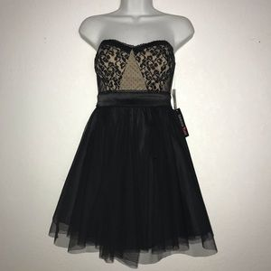 NWT Macy Teeze Me Lace Top Strapless Dress